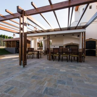The Homeowner Benefits of Kansas City Pergolas